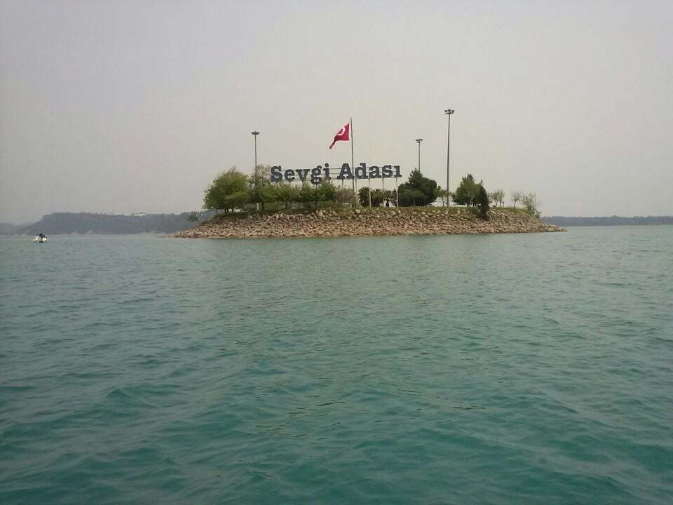 sevgi Adası